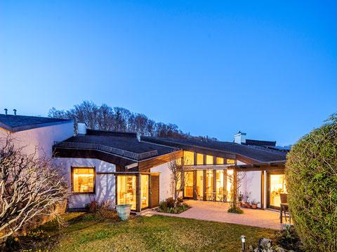 Mit Seezugang – Außergewöhnliches Haus in ruhiger Lage von ...